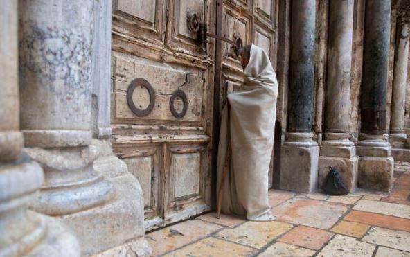 Il Santo Sepolcro riaprirà domenica prossima per la prima volta in due mesi