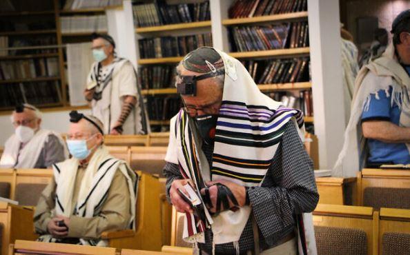 Riaprono le sinagoghe: I fedeli tornano dopo 2 mesi