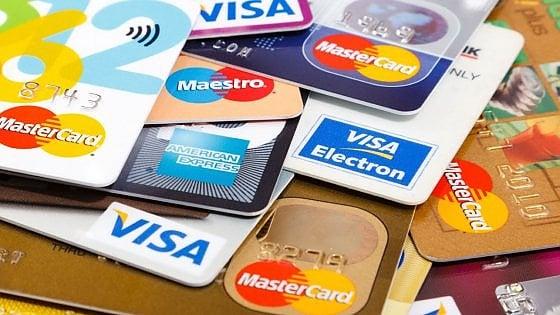 L'utilizzo delle carte di credito si avvicina alla normalità