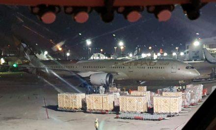 Un aereo Etihad Airways, la compagnia aerea degli Emirati Arabi, è atterrato all'aeroporto Ben Gurion in Israele