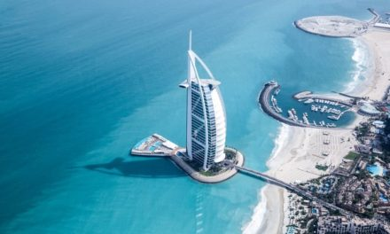 Gli hotel degli Emirati Arabi Uniti offriranno pasti kosher