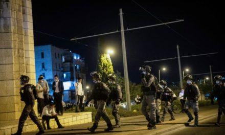 La polizia si prepara alle violazioni delle regole contro il COVID19