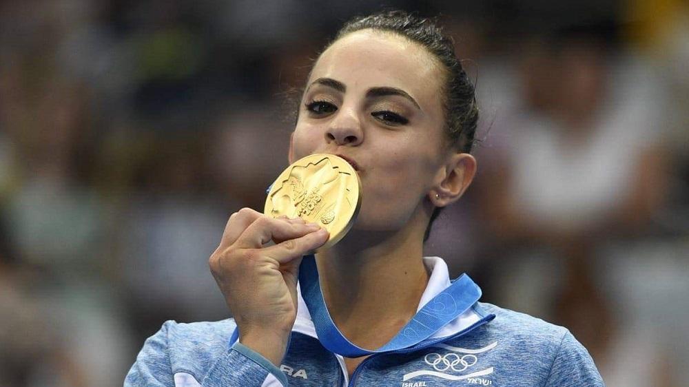 La ginnasta israeliana Linoy Ashram vince l'oro ai Campionati Europei