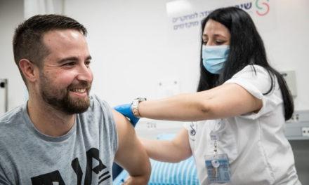 Il primo vaccinato COVID19, torna a casa
